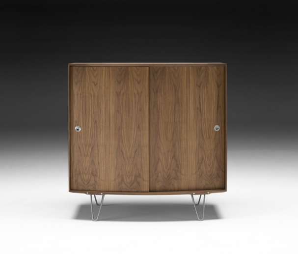 ak 1790 cupboard walnut